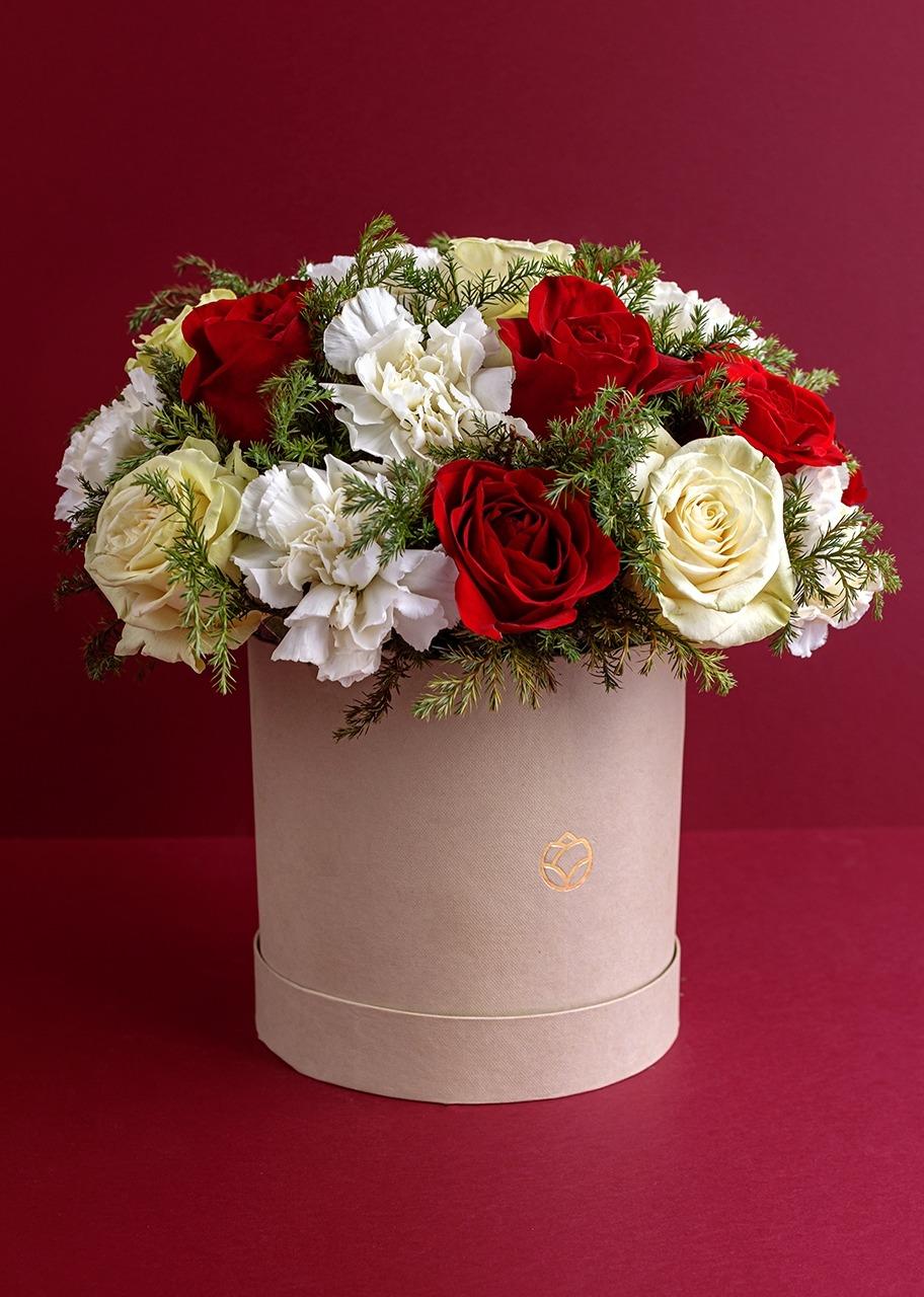 Imagen para Rosas rojas y blancas en caja - 1