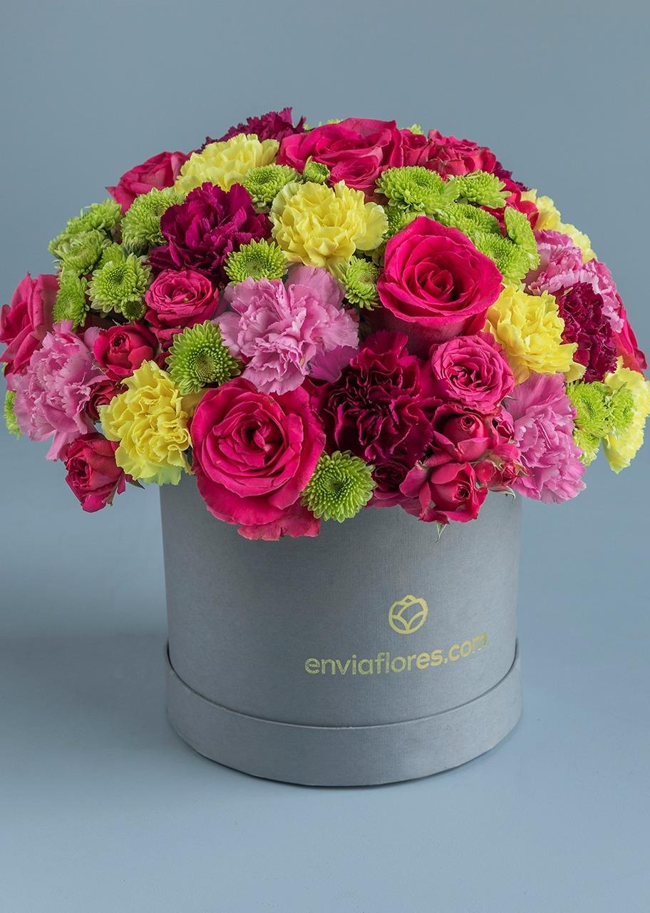 Imagen para Rosas y Claveles en Caja - 1