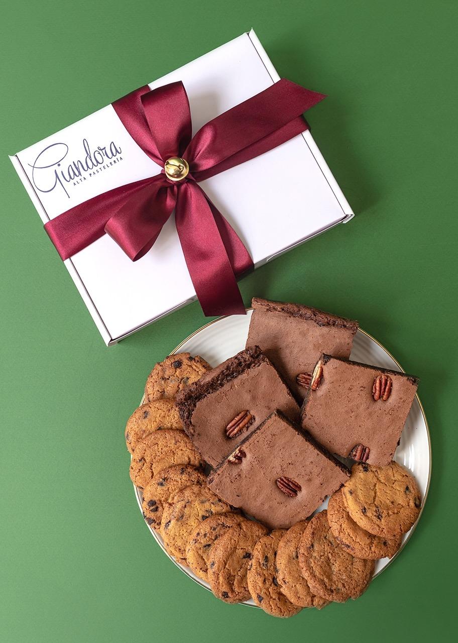 Imagen para Caja de Chocochips y Brownies Navidad - 1