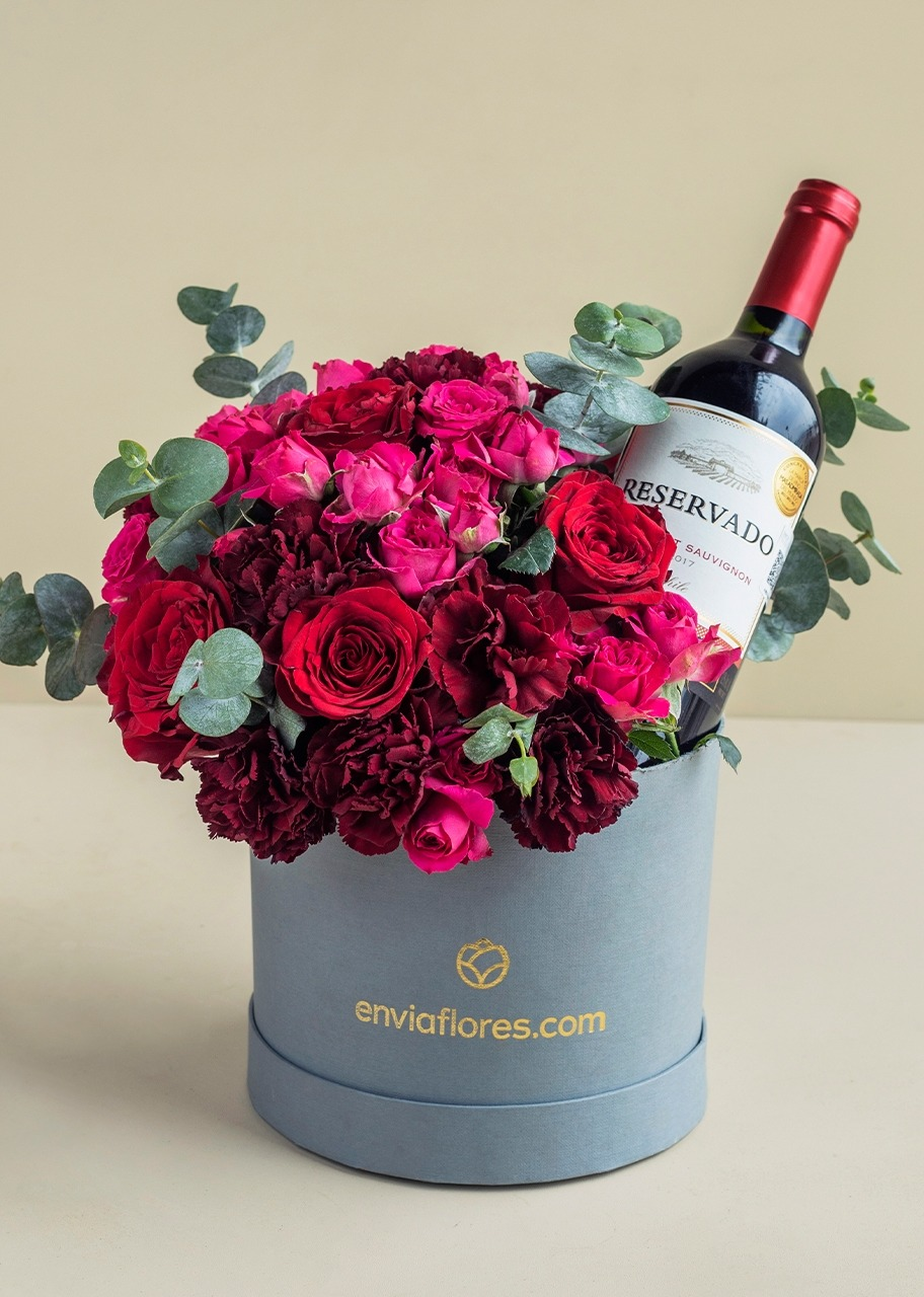 Imagen para Flower box with mini roses and wine - 1