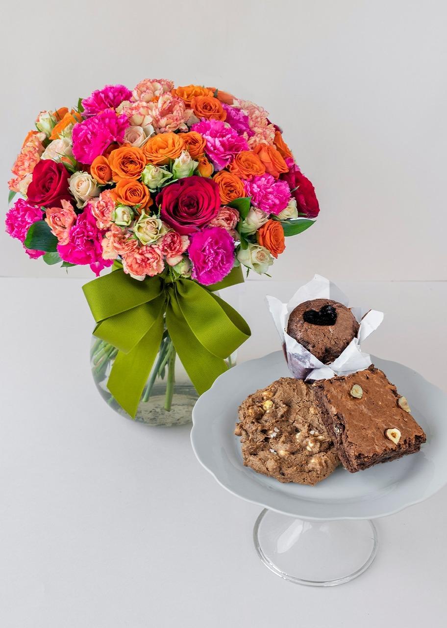 Imagen para Caja surtida chocolate con Arreglo Floral - 1