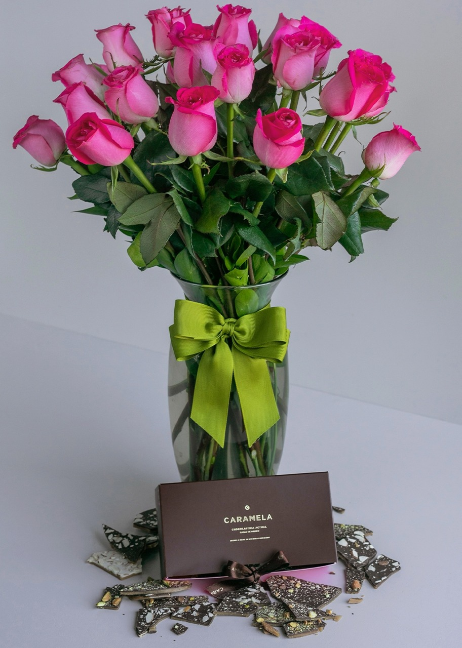 Imagen para Toffee box with 24 fiusha roses - 1