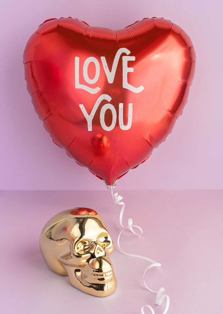 Imagen para Calavera de cerámica con Globo de amor - 1