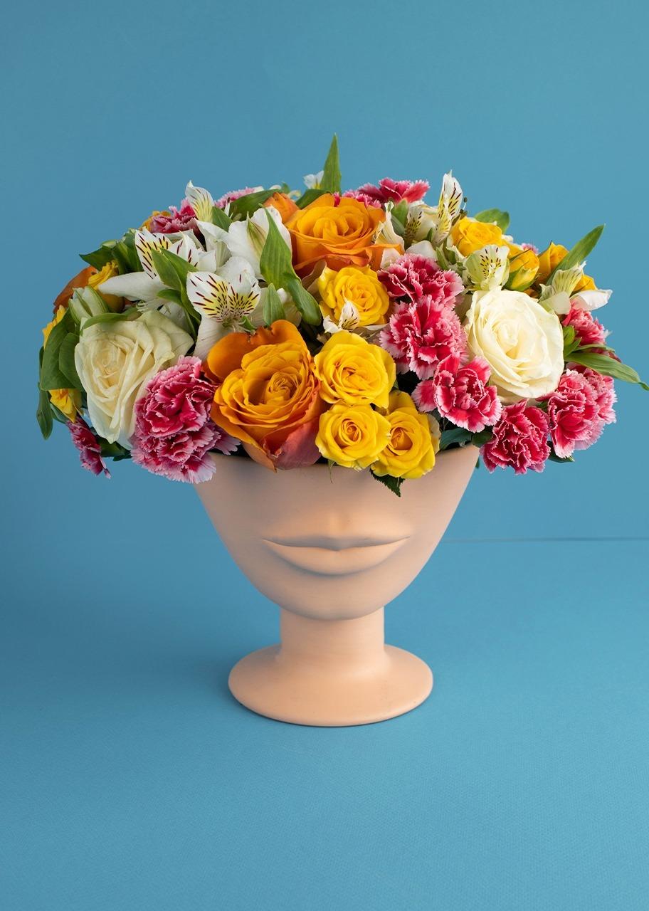 Imagen para Rosas combinadas y mini rosas en base - 1