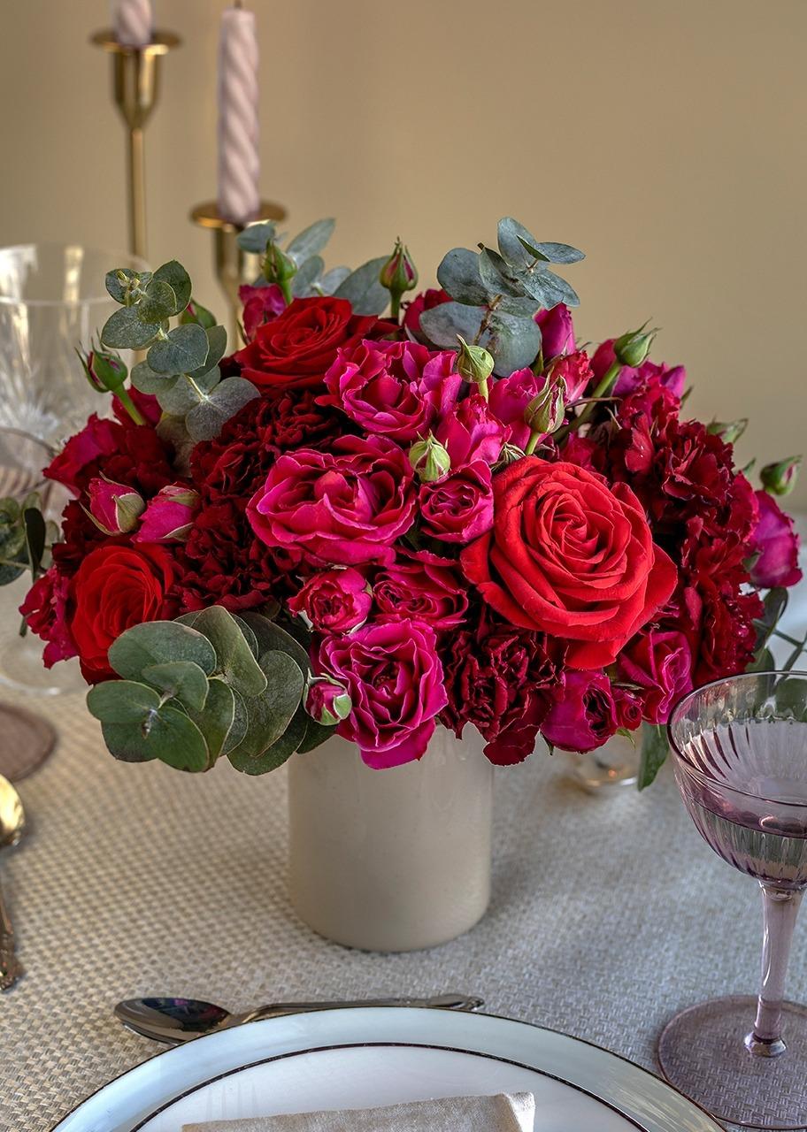 Imagen para Red Roses Centerpiece - 1