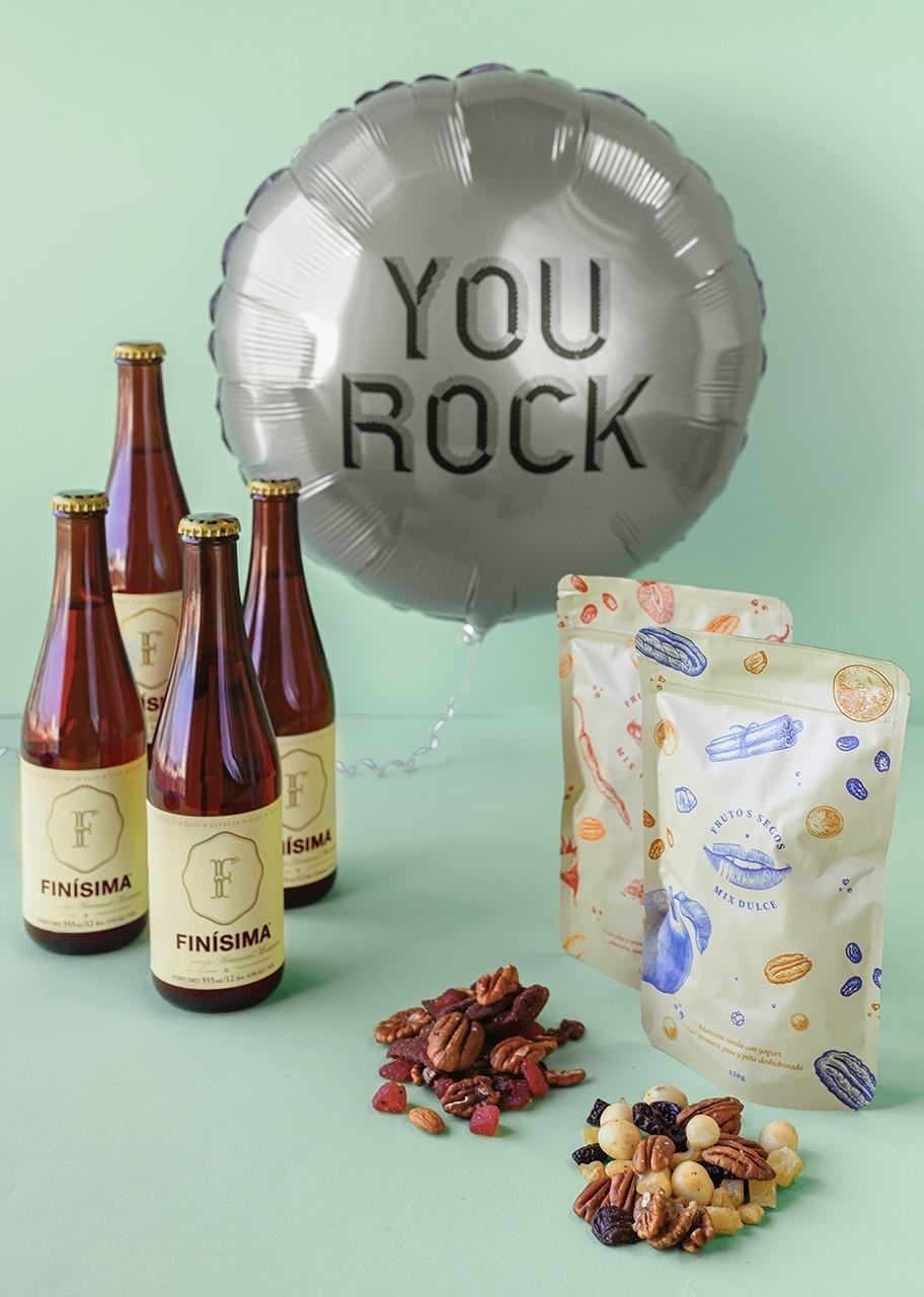 Imagen para Cerveza Finisima con globo y pouches - 1