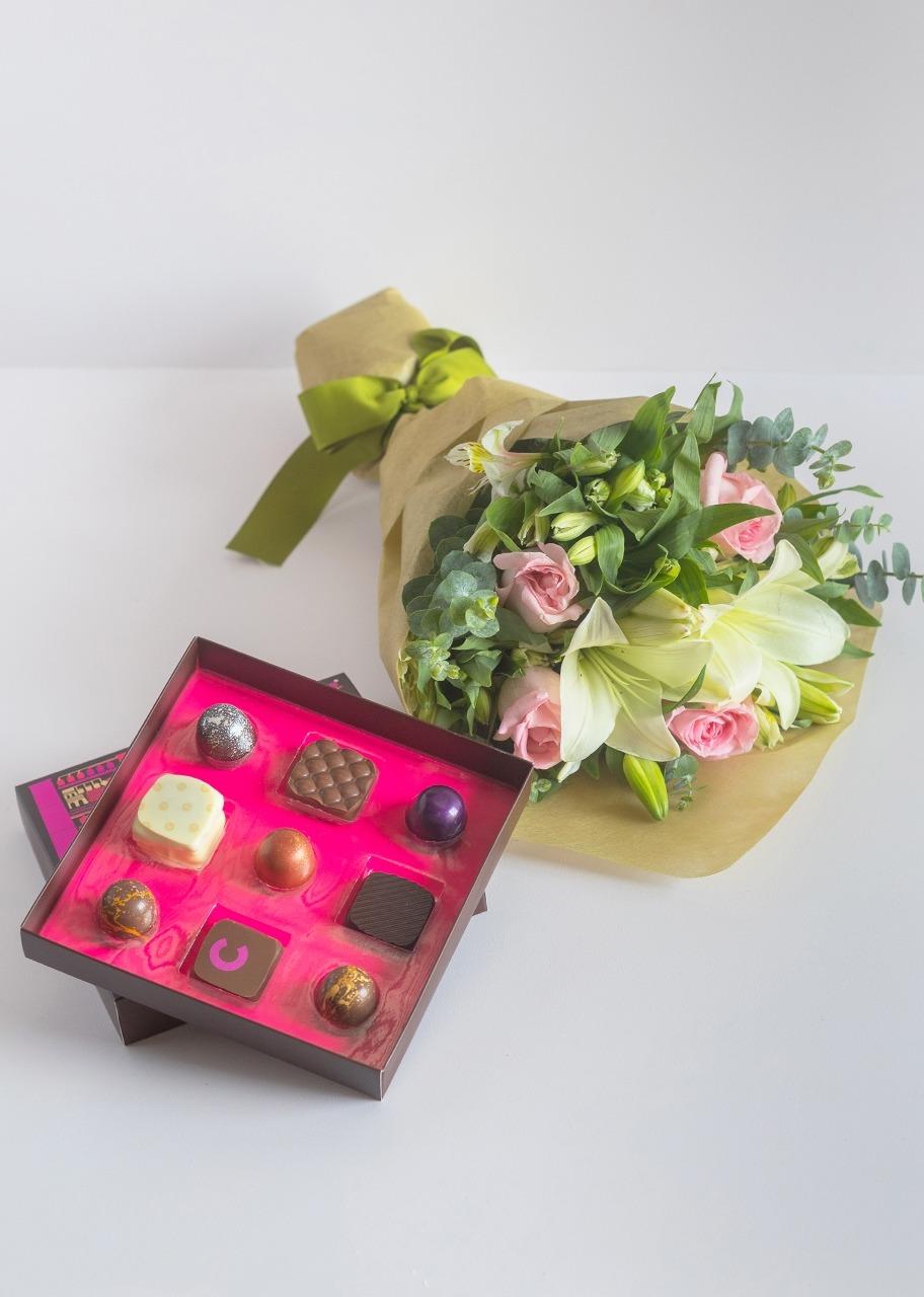 Imagen para Chocolates Artesanales Caramela con Ramo - 1