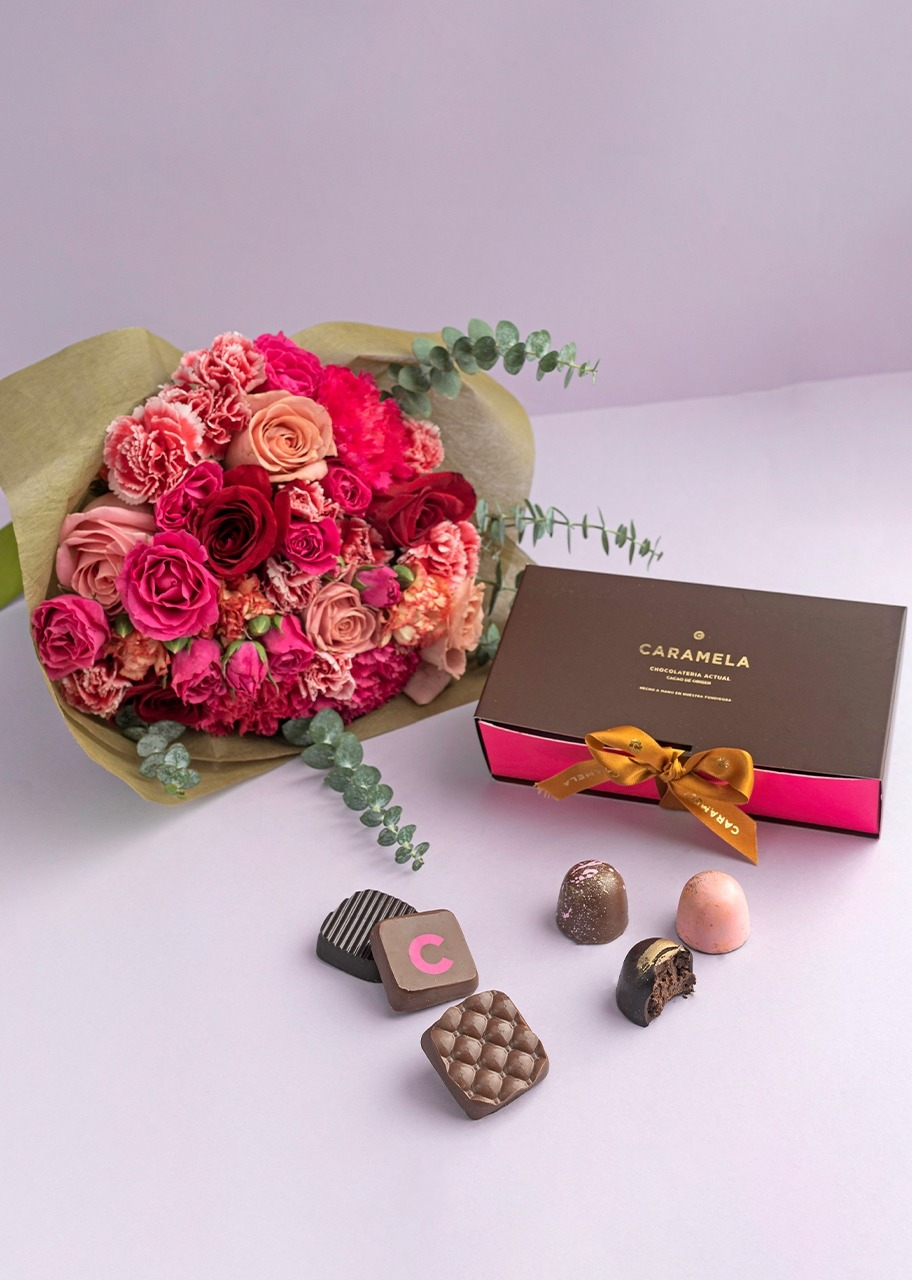 Imagen para Chocolates con ramo de rosas - 1