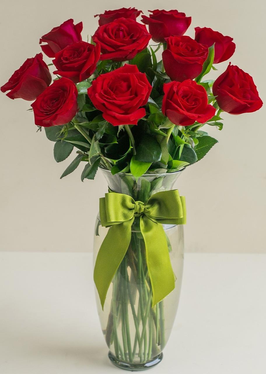 Imagen para Clásico Amor con 12 Rosas Rojas - 1