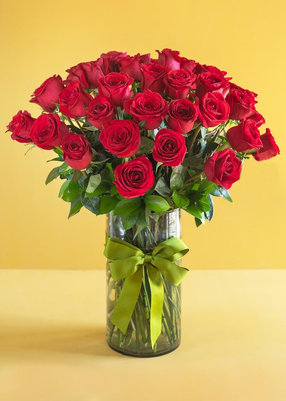 Imagen para Clásico Amor con 50 rosas rojas - 1