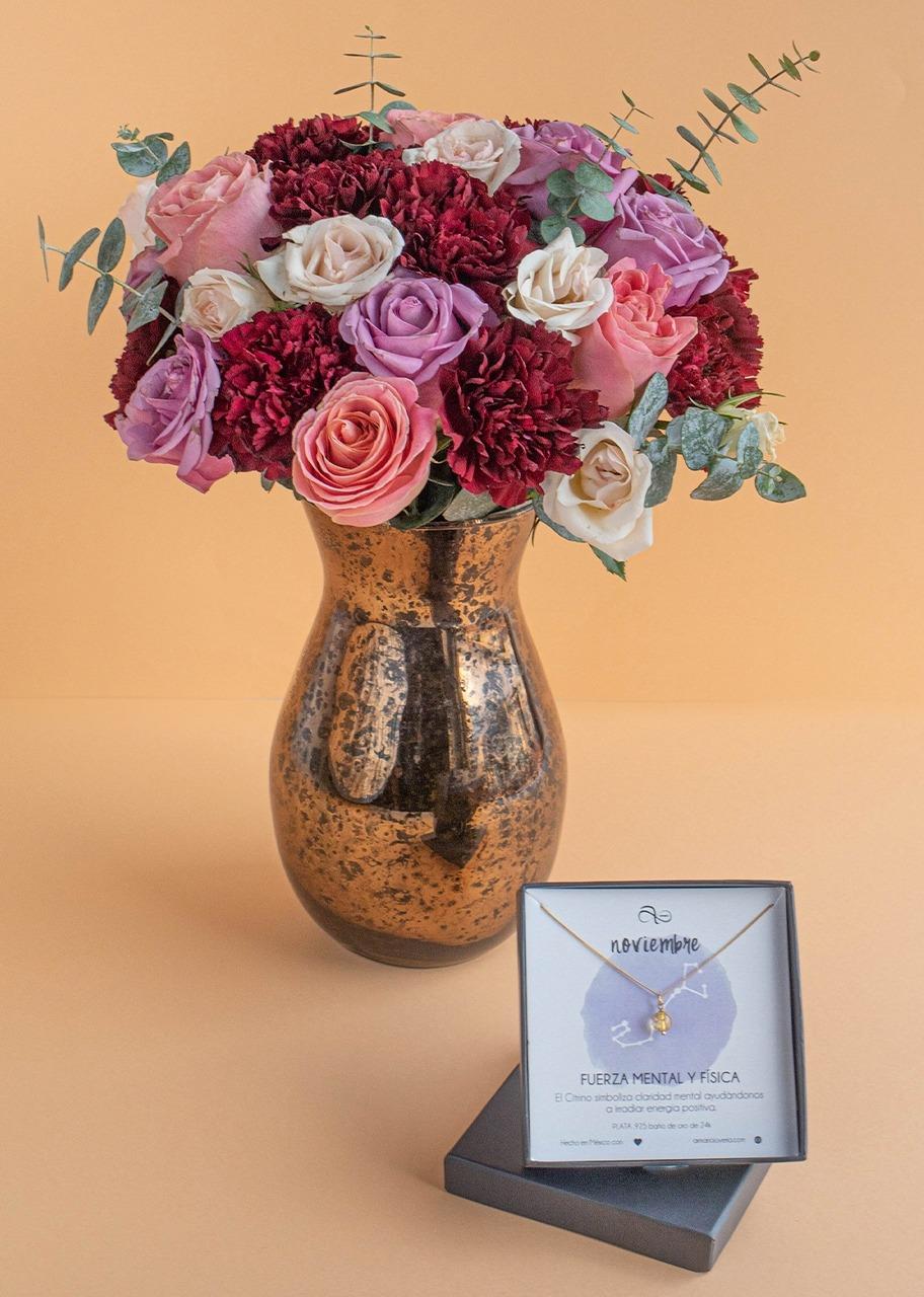 Imagen para Collar de Noviembre con Rosas en jarrón jaspeado - 1