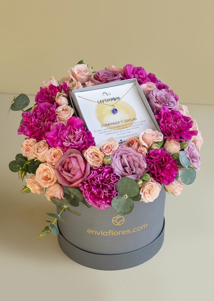 Imagen para Collar Septiembre y Rosas en Caja - 1