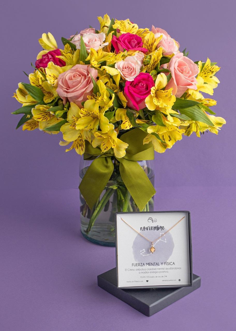 Imagen para Collar de Noviembre con Rosas en jarrón - 1
