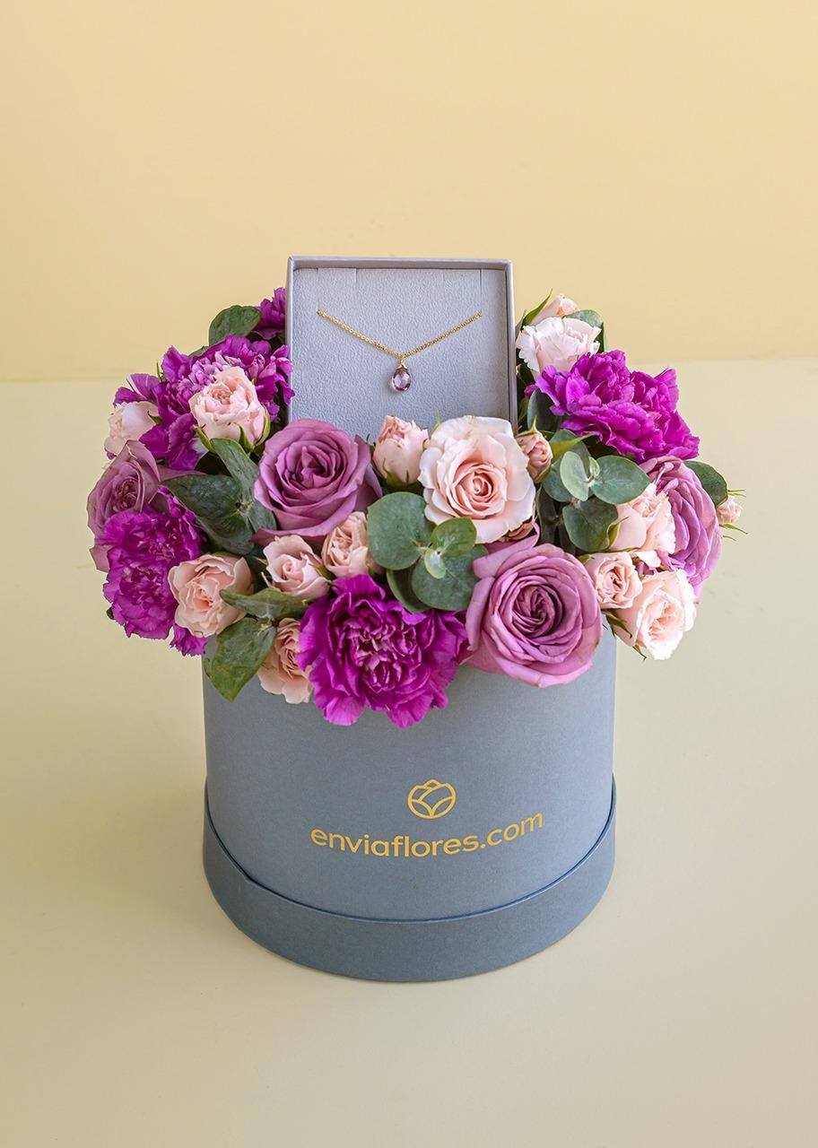 Imagen para Collar de Octubre con Rosas en Caja - 1