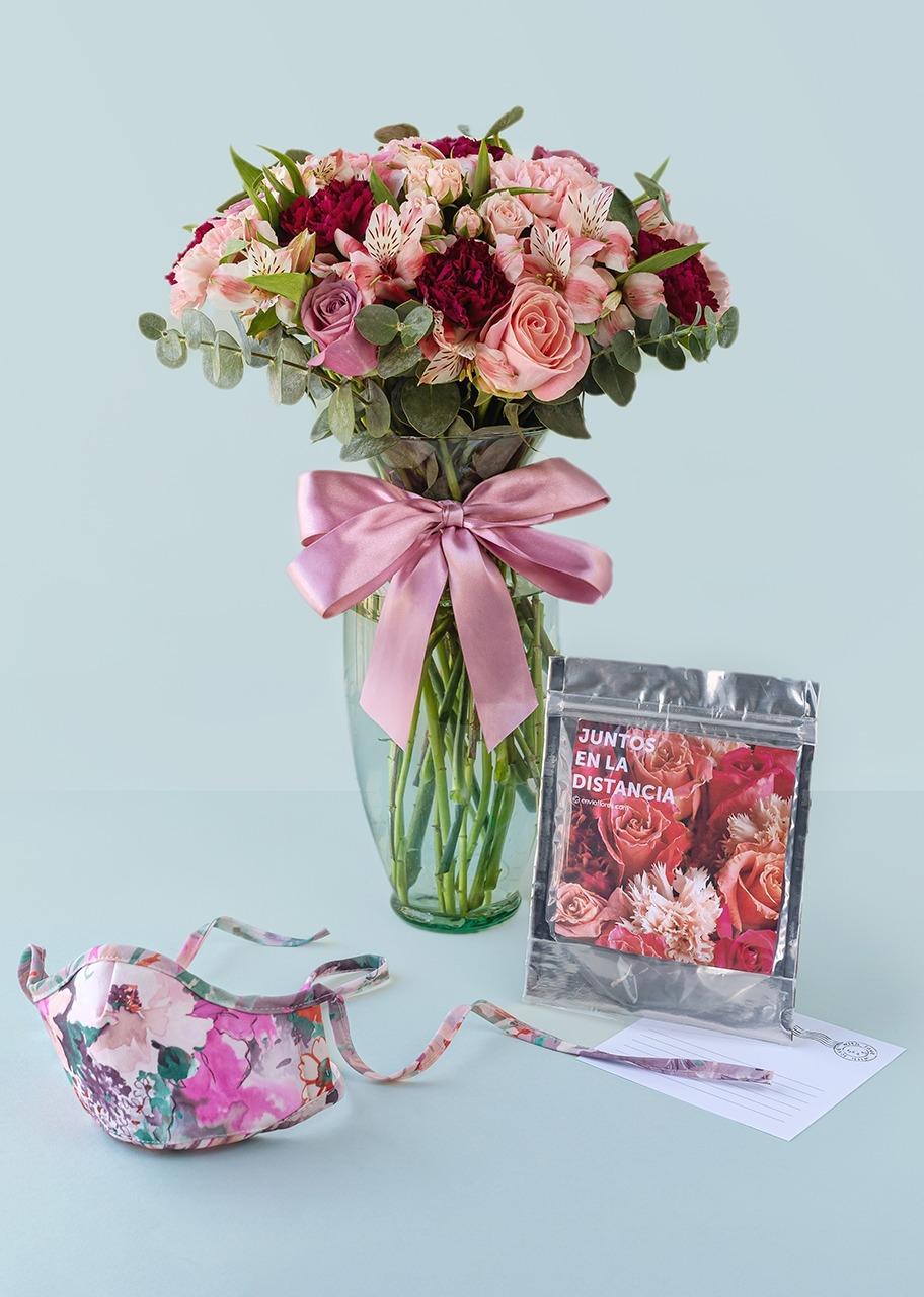 Imagen para Cubre bocas y arreglo de rosas rosas y lilas - 1