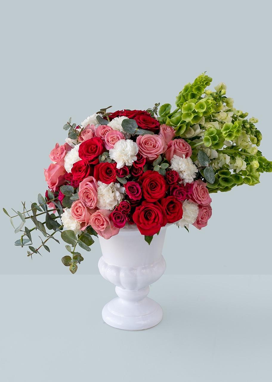 Imagen para Rosas rojas con mini rosas en copa blanca - 1
