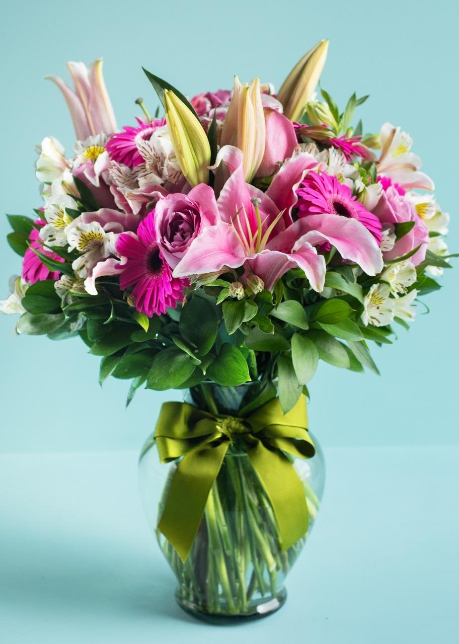 Imagen para Fantasía con 10 Gerberas y Rosas - 1