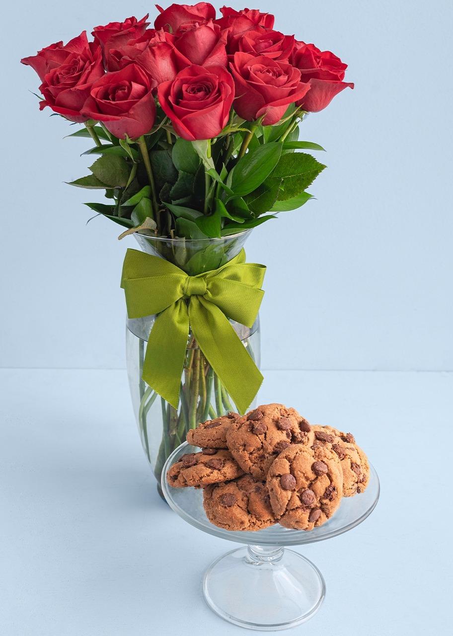 Imagen para Galletas Triple Chocolate 6 pz con 12 Rosas - 1
