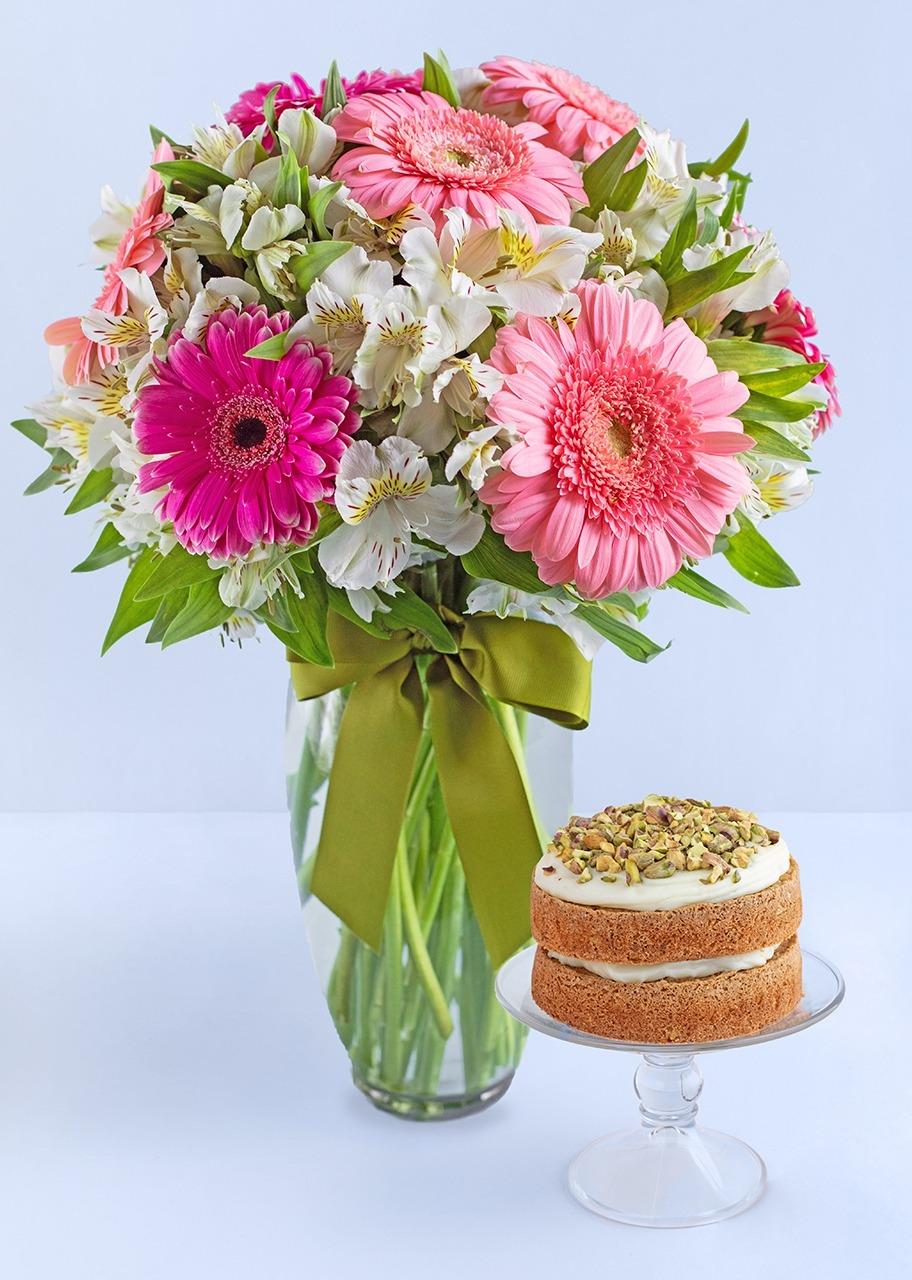 Imagen para Gerberas con pastel pistache - 1