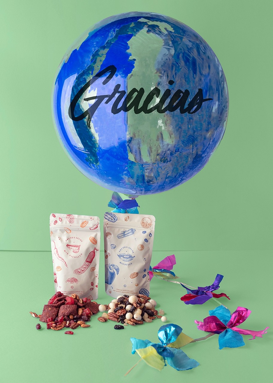 Imagen para Globo Burbuja Azul Gracias con Botana - 1