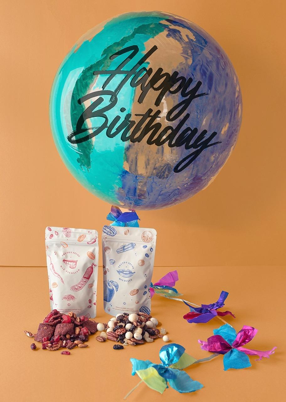 "Imagen para ""Happy Birthday"" Decorated Bubble Balloon with snacks - 1"