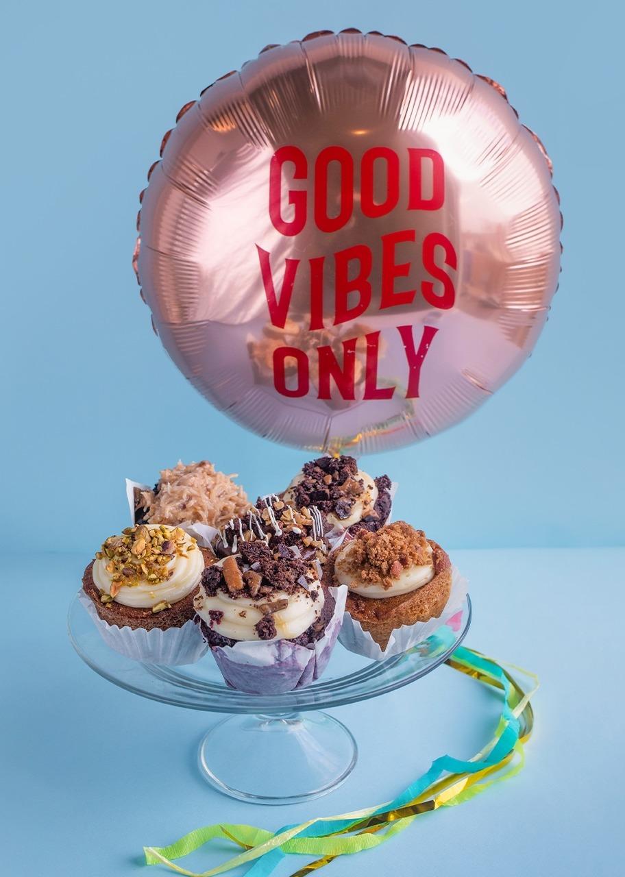 "Imagen para ""Good Vibes"" Ballon with 6 muffins - 1"