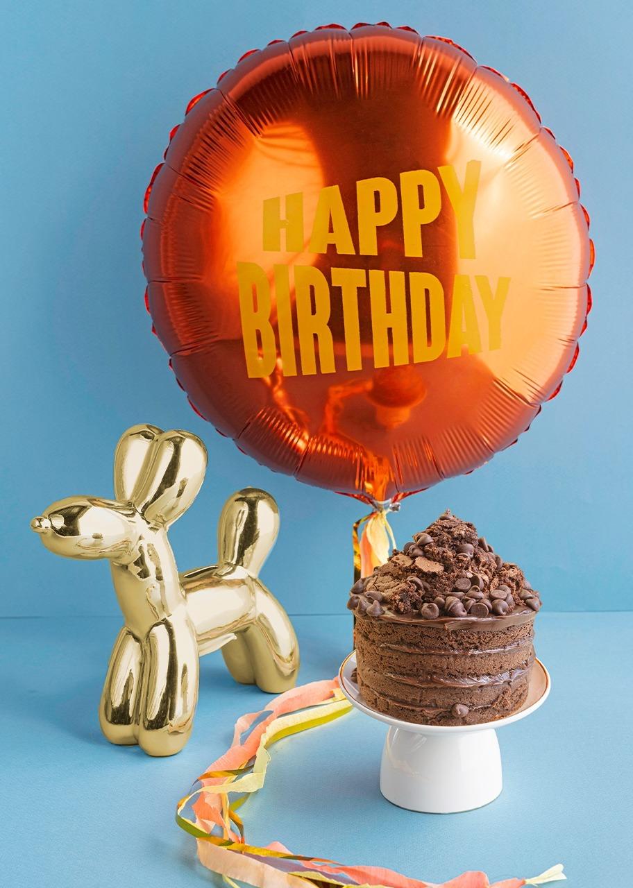 """Imagen para Globo de """"Happy Birthday"""" con chocolate cake y figura - 1"""
