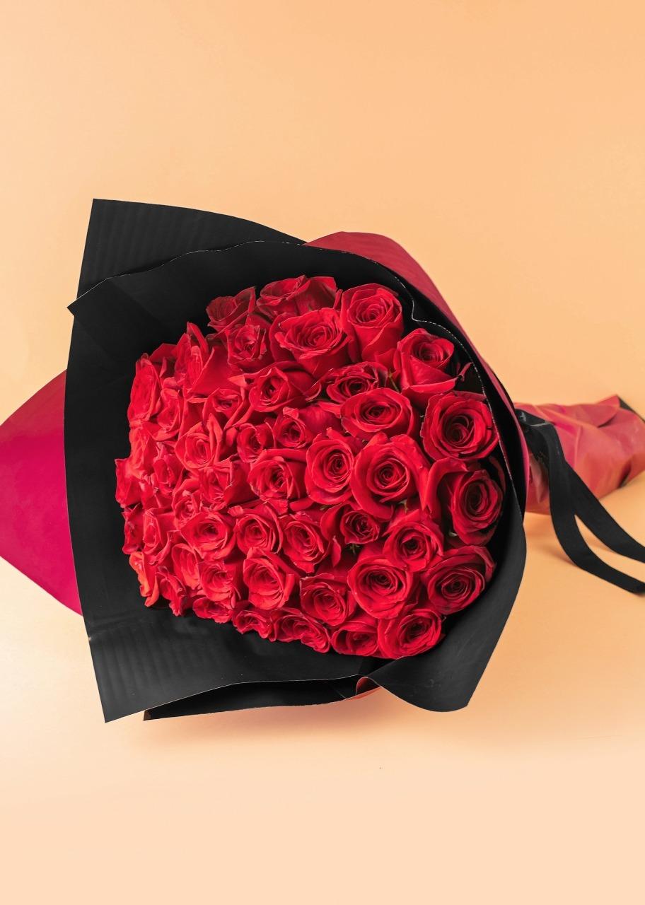 Imagen para Gran Ramo de Amor con 50 Rosas Rojas Enviaflores - 1