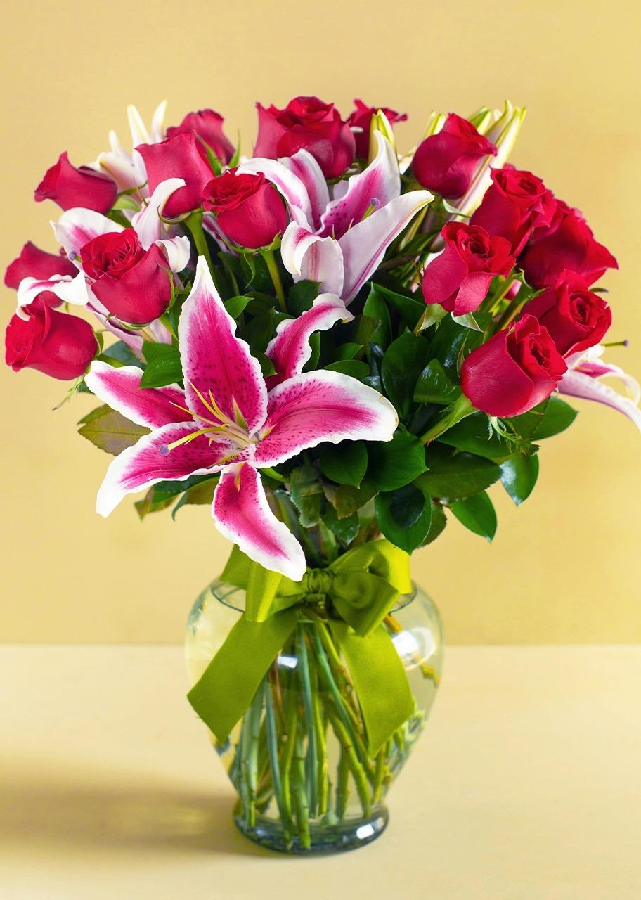 Imagen para Instantes maravillosos con 24 rosas rojas - 1
