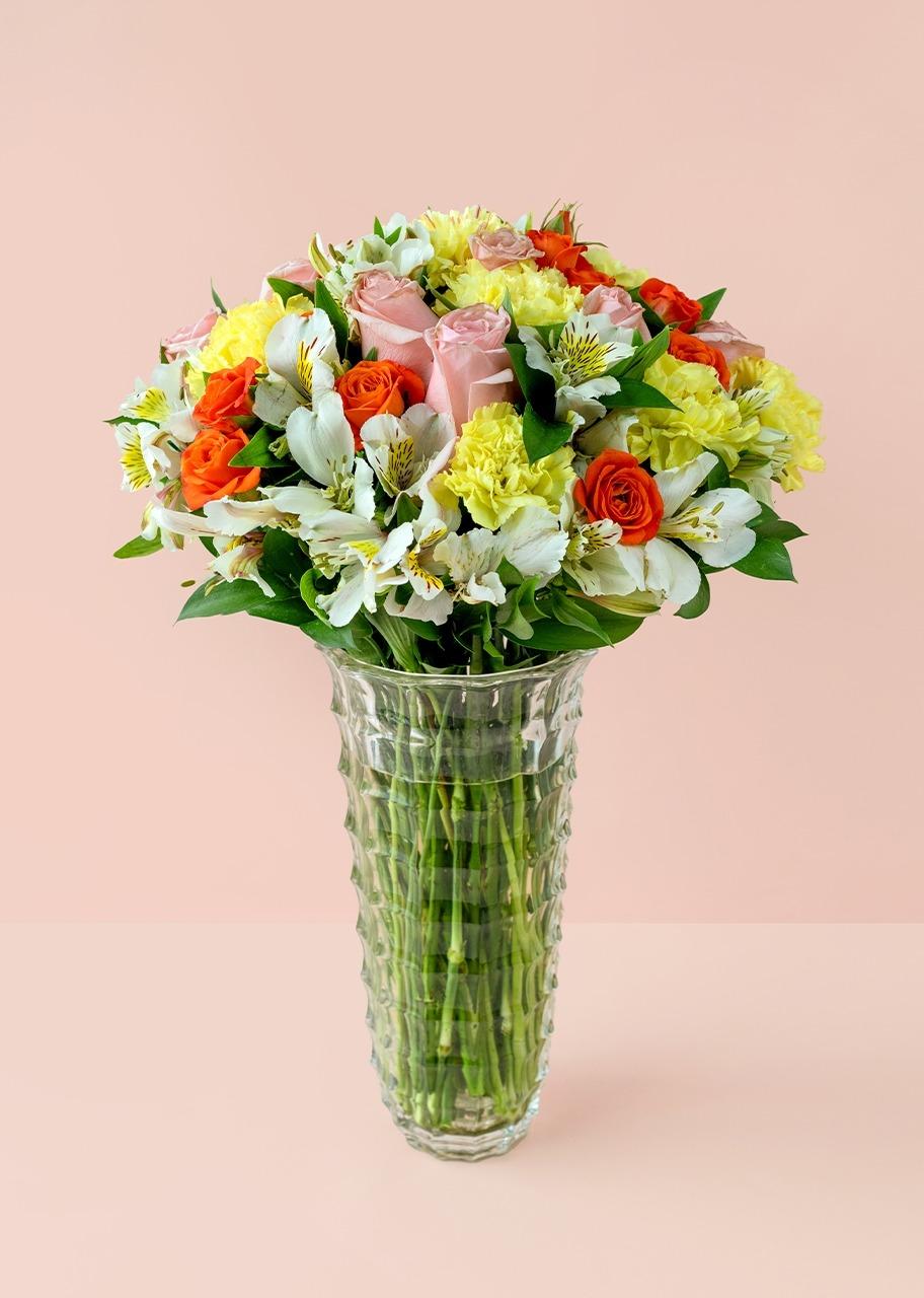 Imagen para Claveles amarillos y rosas en jarron imperia - 1