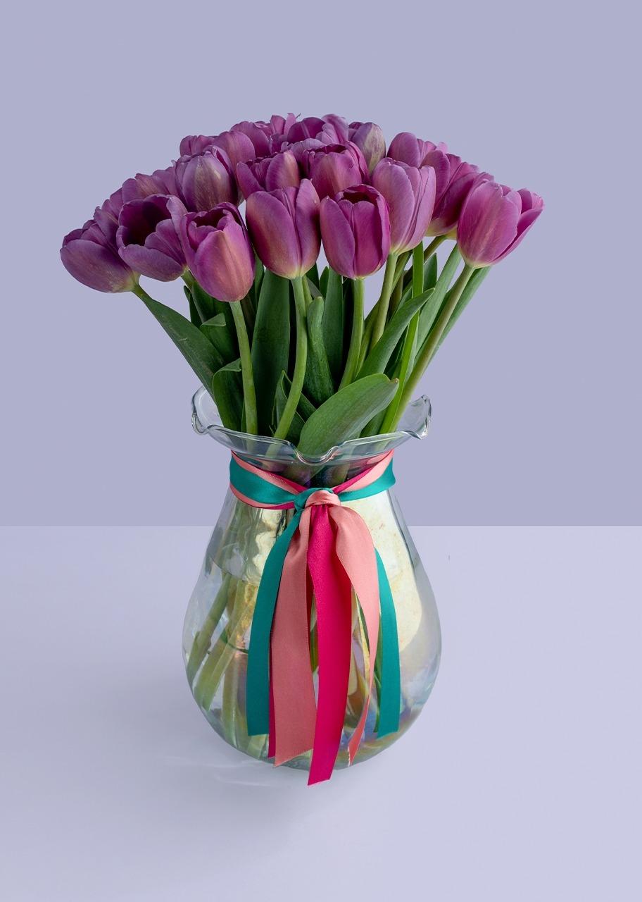 Imagen para 20 tulipanes morados en jarrón - 1