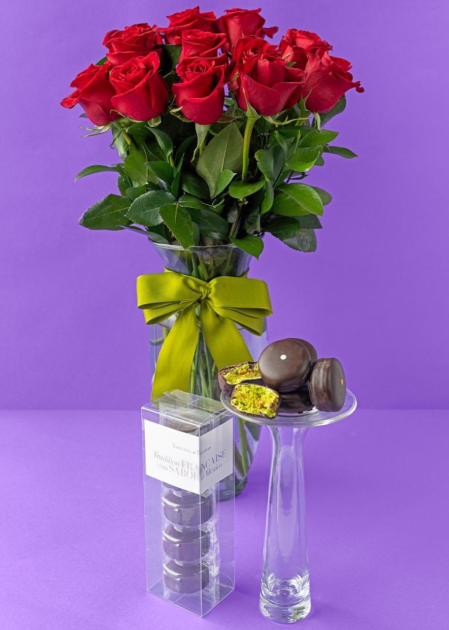 Imagen para Macarrones 5 pz con 12 Rosas - 1