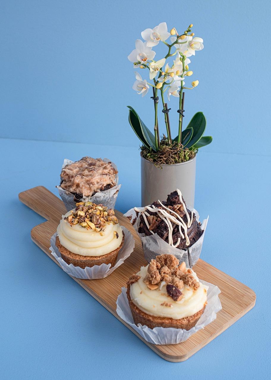 Imagen para Muffins 4 pz La Divinata con Mini Orquídea - 1