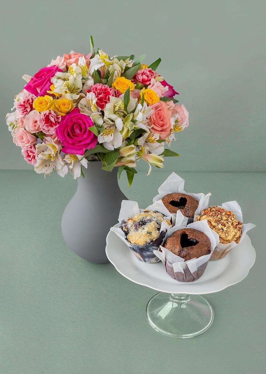 Imagen para Muffins de 4 pzs con Primavera de Rosas - 1