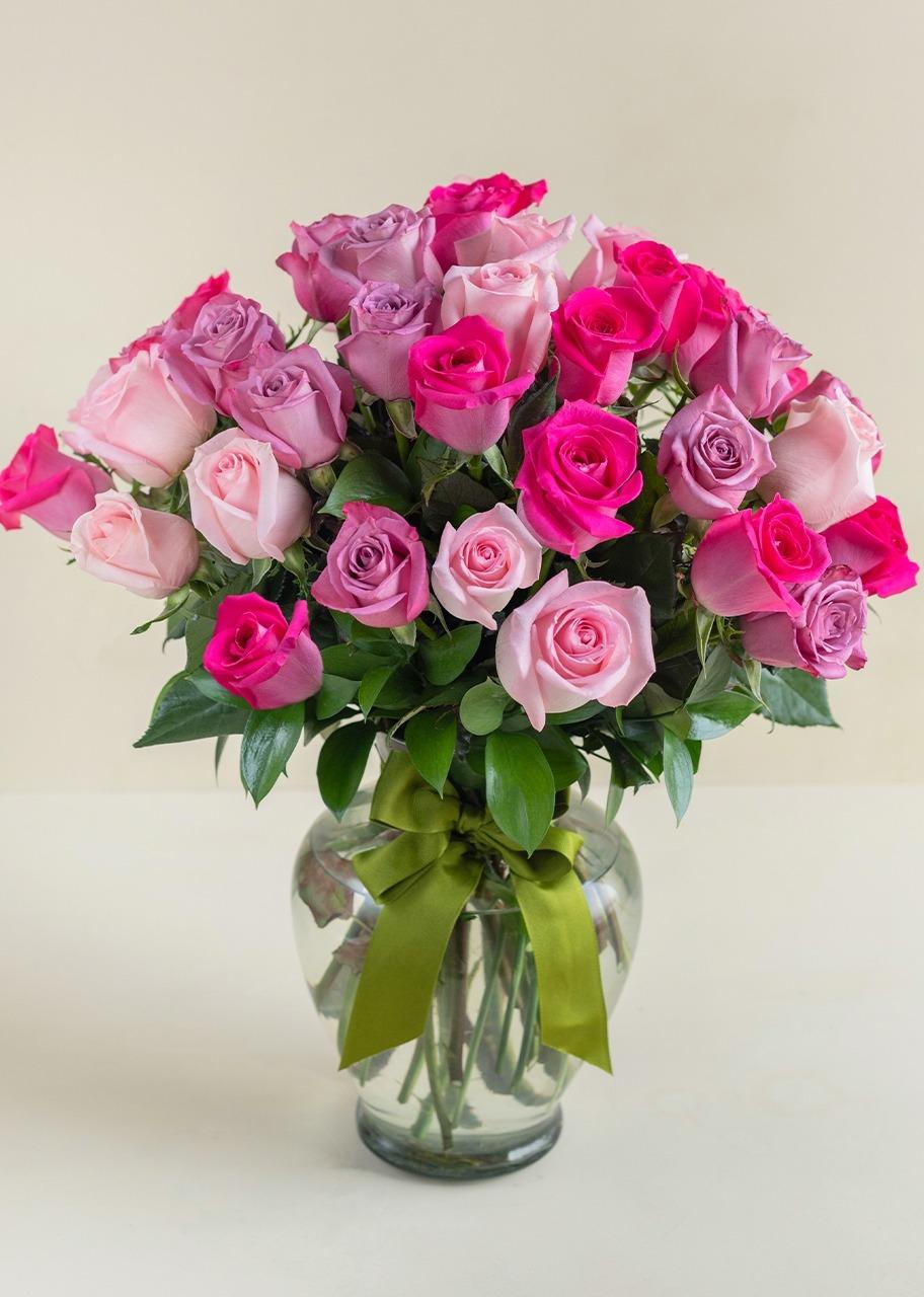 Imagen para Mujer arreglo con 36 rosas - 1