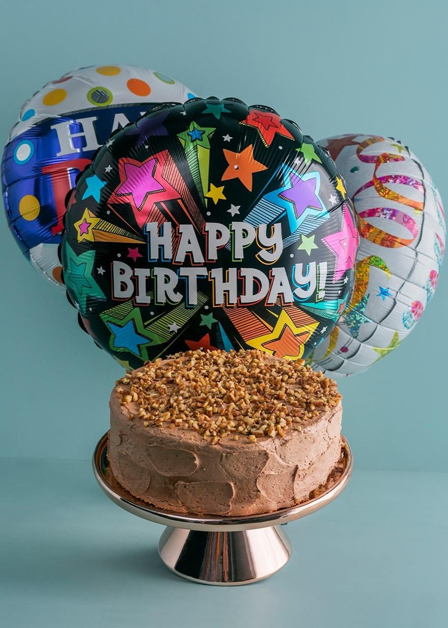 Imagen para Pastel Chocolate Claro con Globos de Cumpleaños - 1