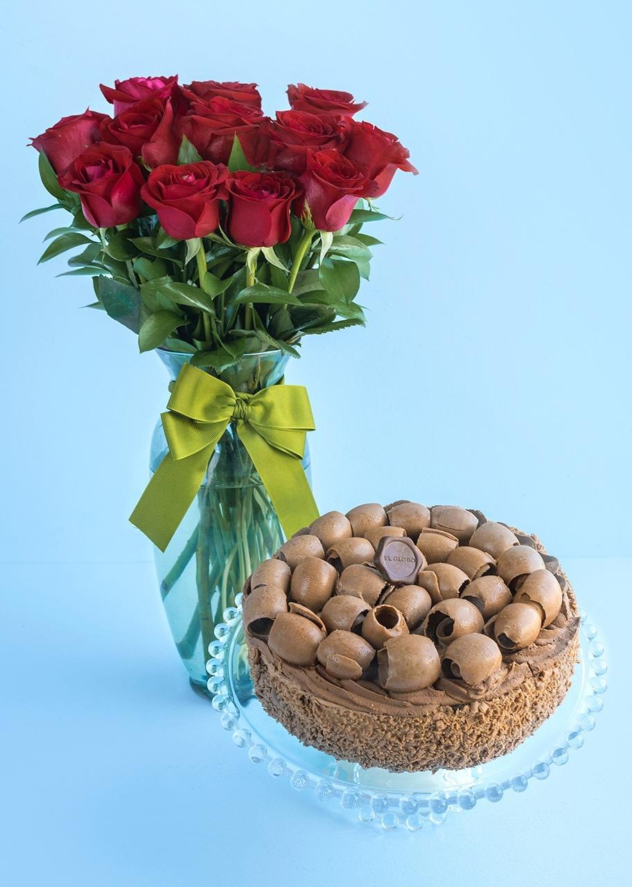 Imagen para Pastel Salón con 12 Rosas Rojas - 1