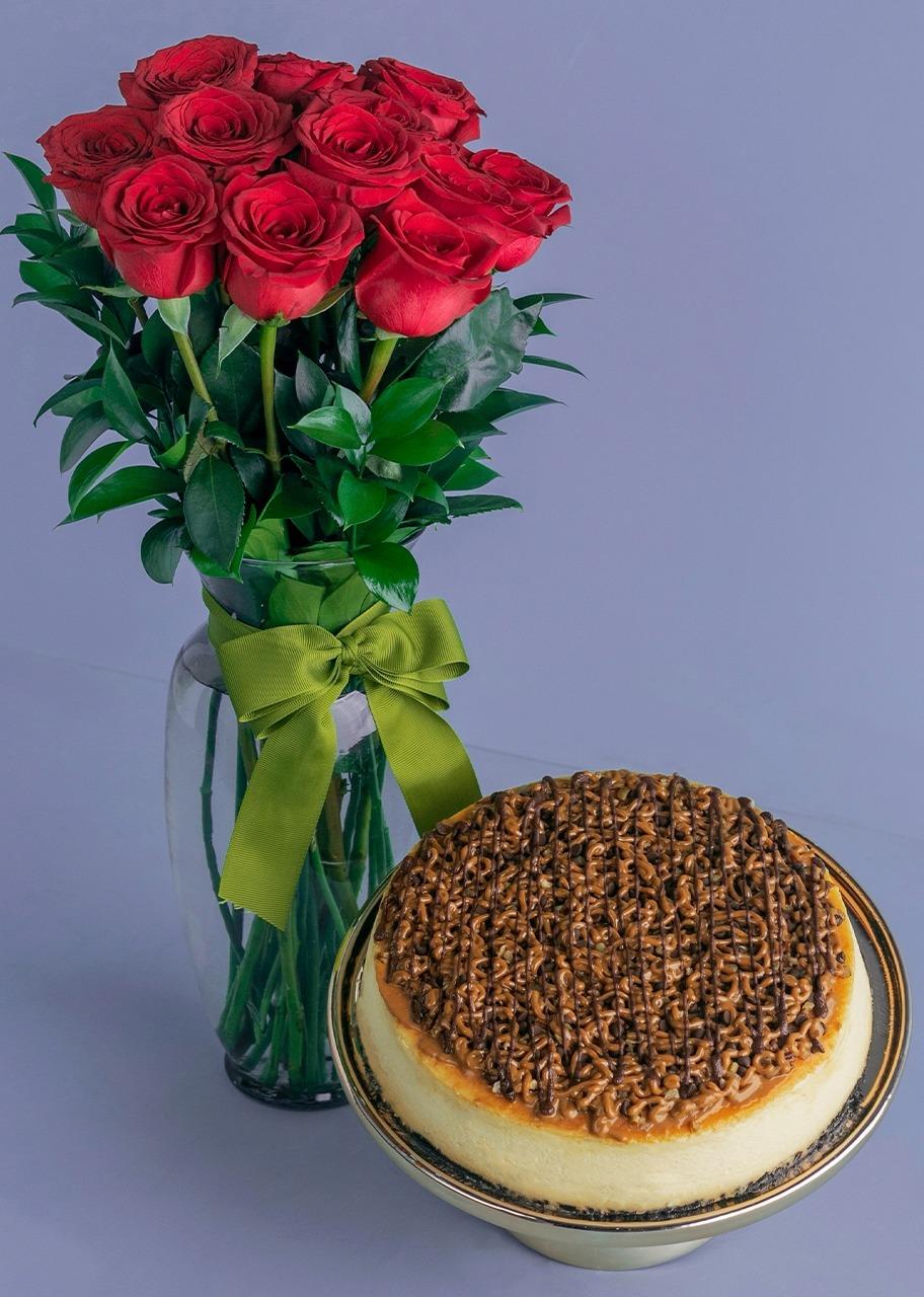Imagen para Pastel Tortuga con 12 rosas rojas - 1