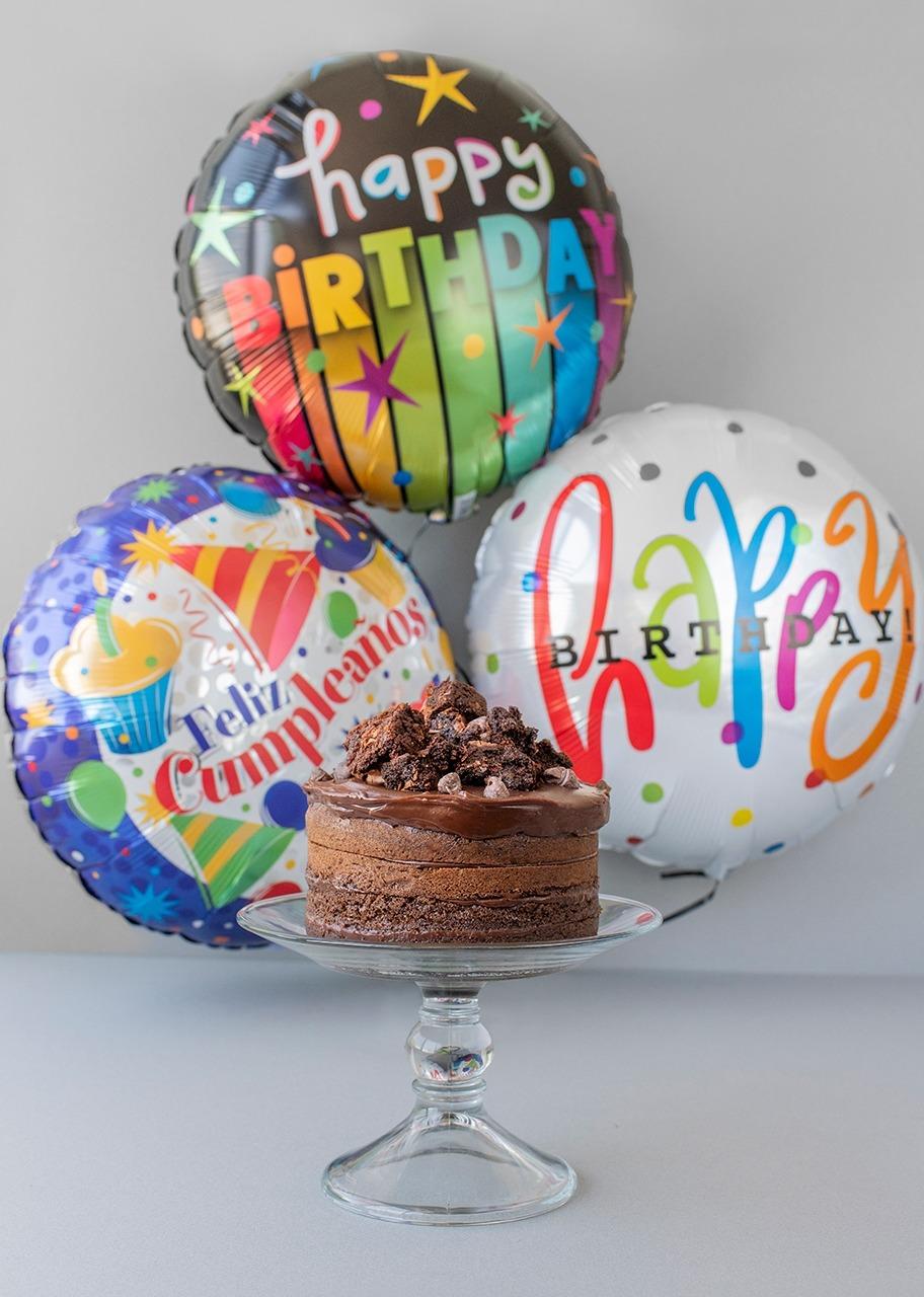 Imagen para Pastel chocolate M con globos cumpleaños - 1