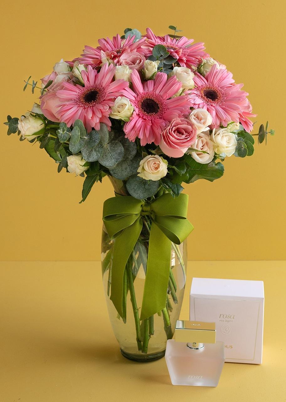 Imagen para Perfume Tous con Arreglo de Rosas y Gerberas - 1