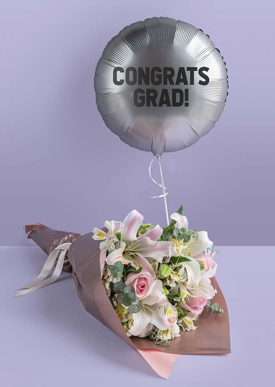 """Imagen para Lilies Bouquet and """"Congrats Grad!"""" Silver Balloon - 1"""