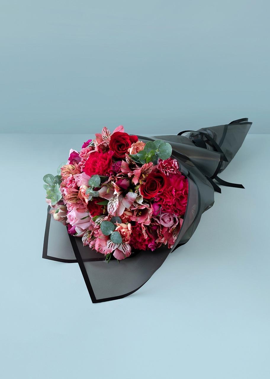 Imagen para Ramo con 7 Rosas y Mini Rosas - 1