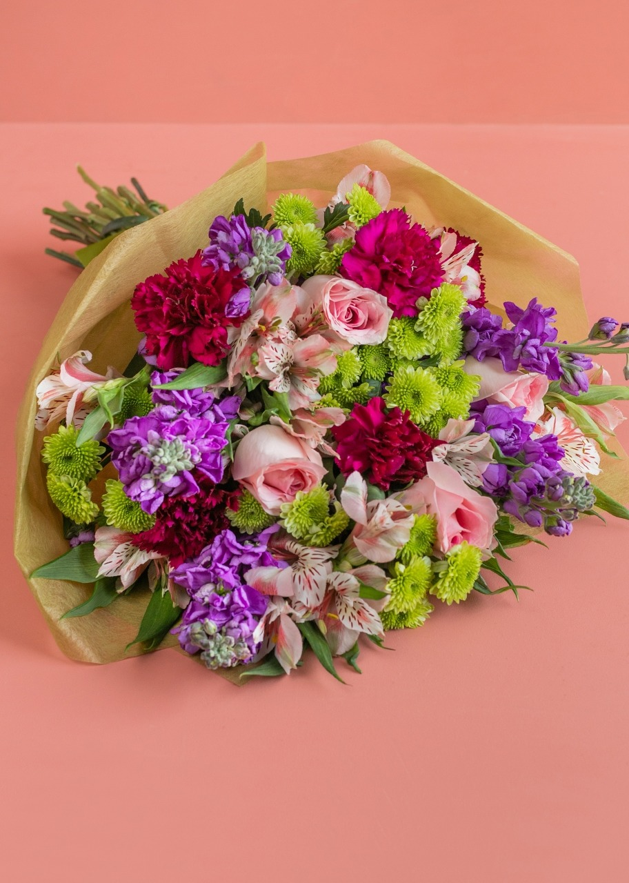 Imagen para Roses and Daisies Bouquet - 1