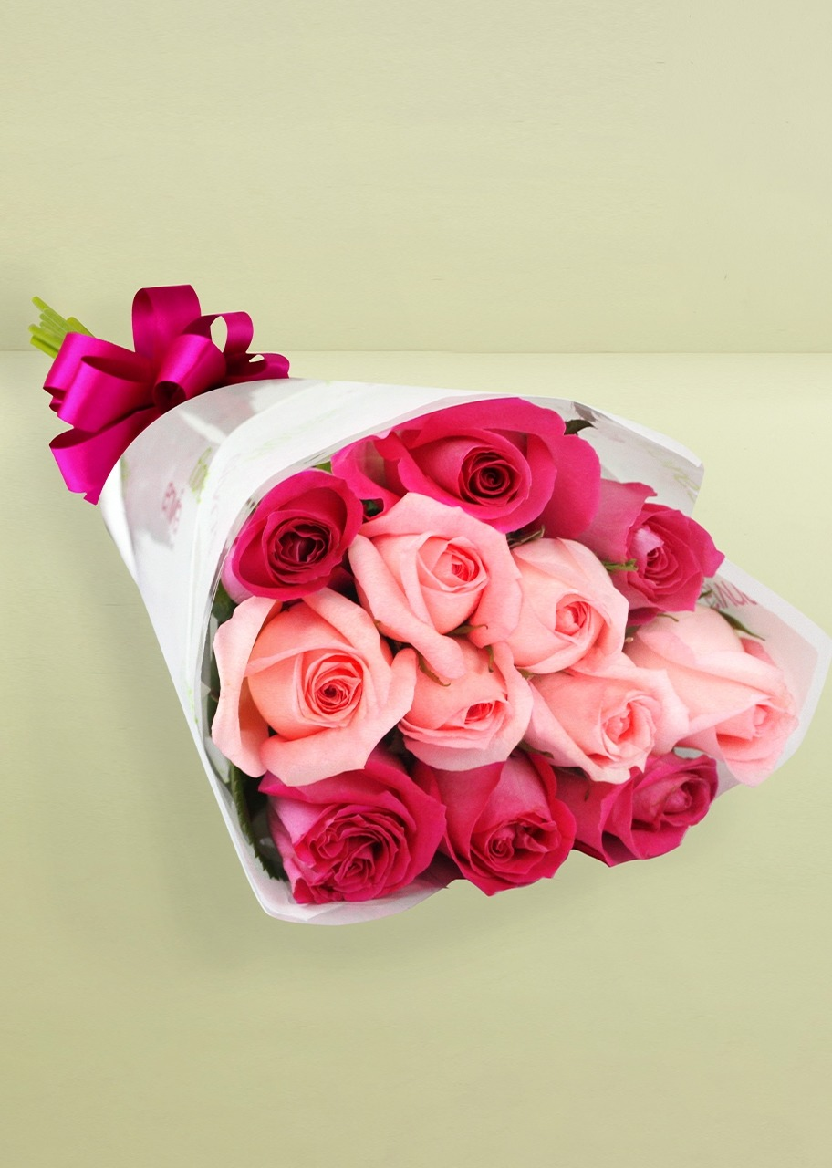 Imagen para Ramo de 12 rosas combinadas - 1