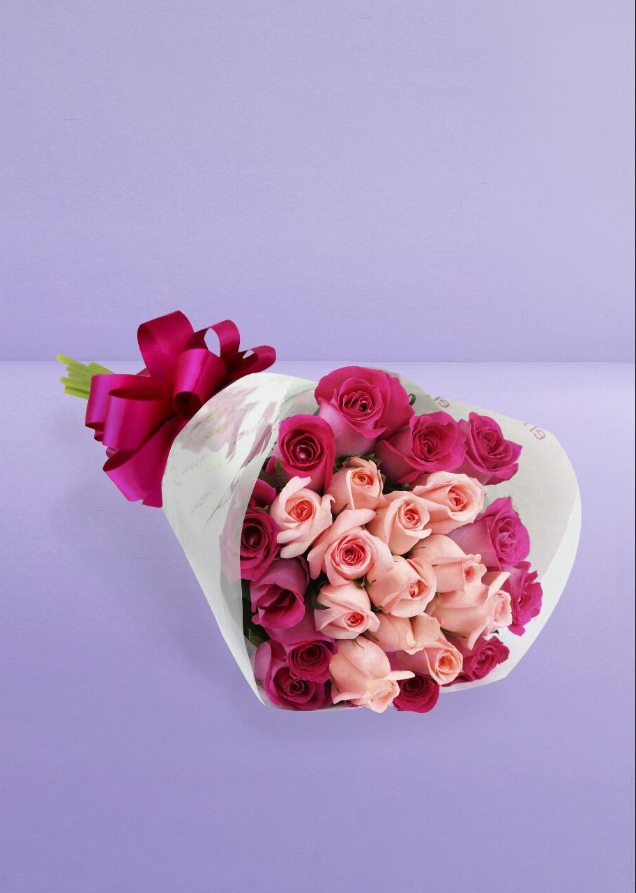 Imagen para Ramo de 24 Rosas Combinadas - 1