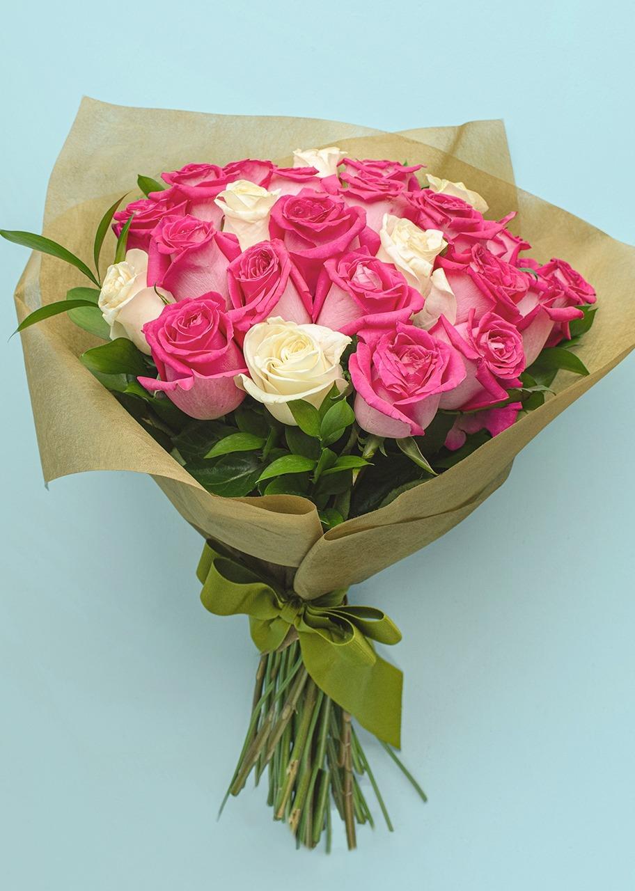 Imagen para Ramo de 24 Rosas Rosas y Blancas - 1
