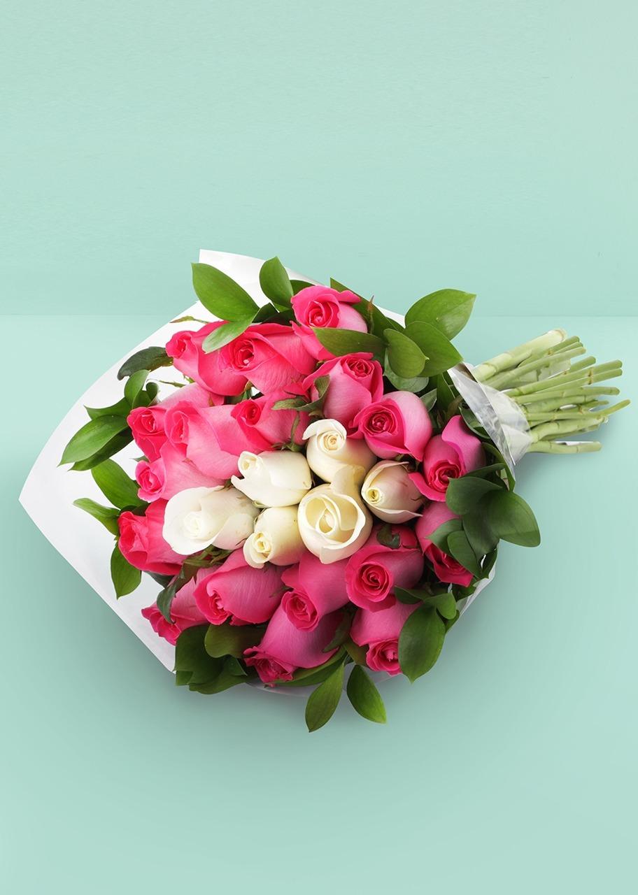 Imagen para Ramo de 24 rosas toque especial - 1