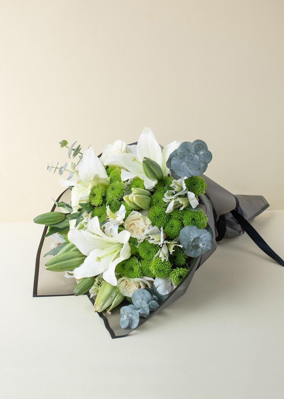 Imagen para Ramo de Rosas Blancas y Margaritas - 1