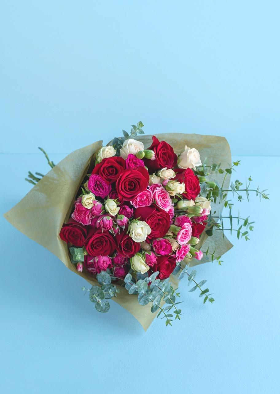 Imagen para Ramo de Rosas y Mini rosas con Amor - 1