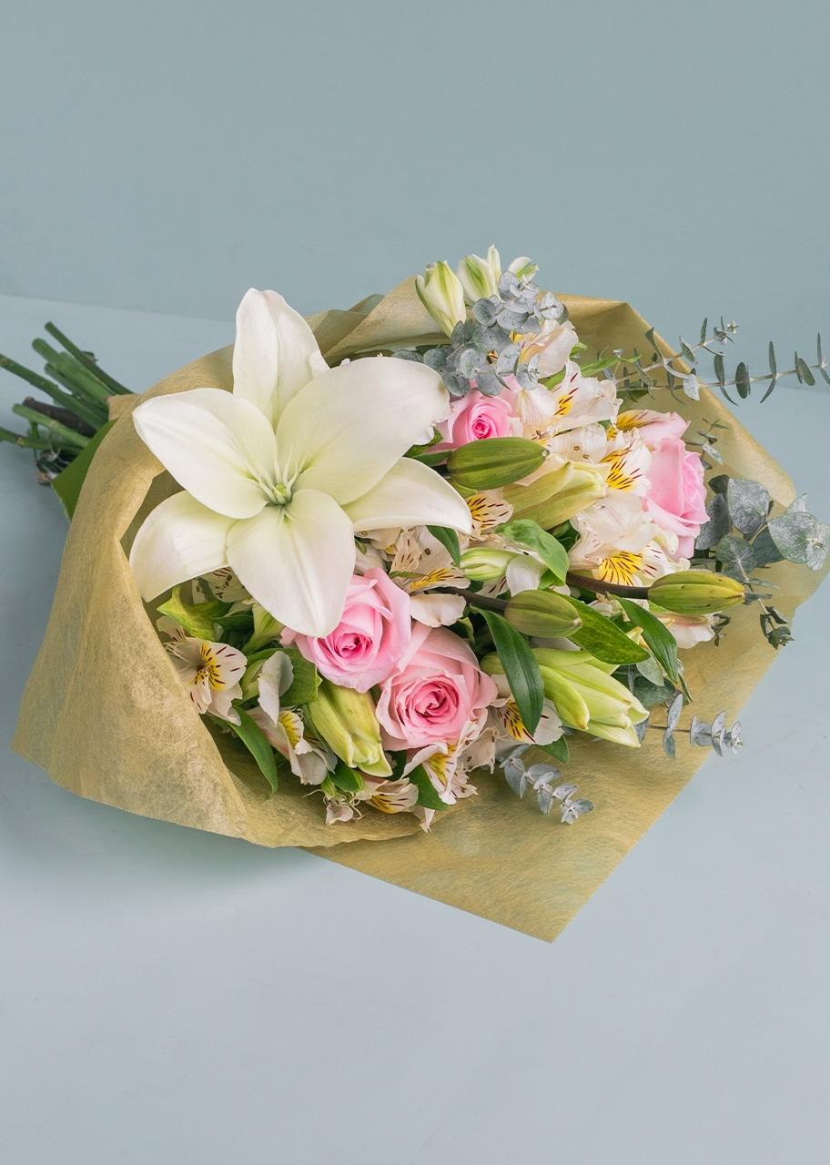 Imagen para Ramo de Rosas y lilys - 1